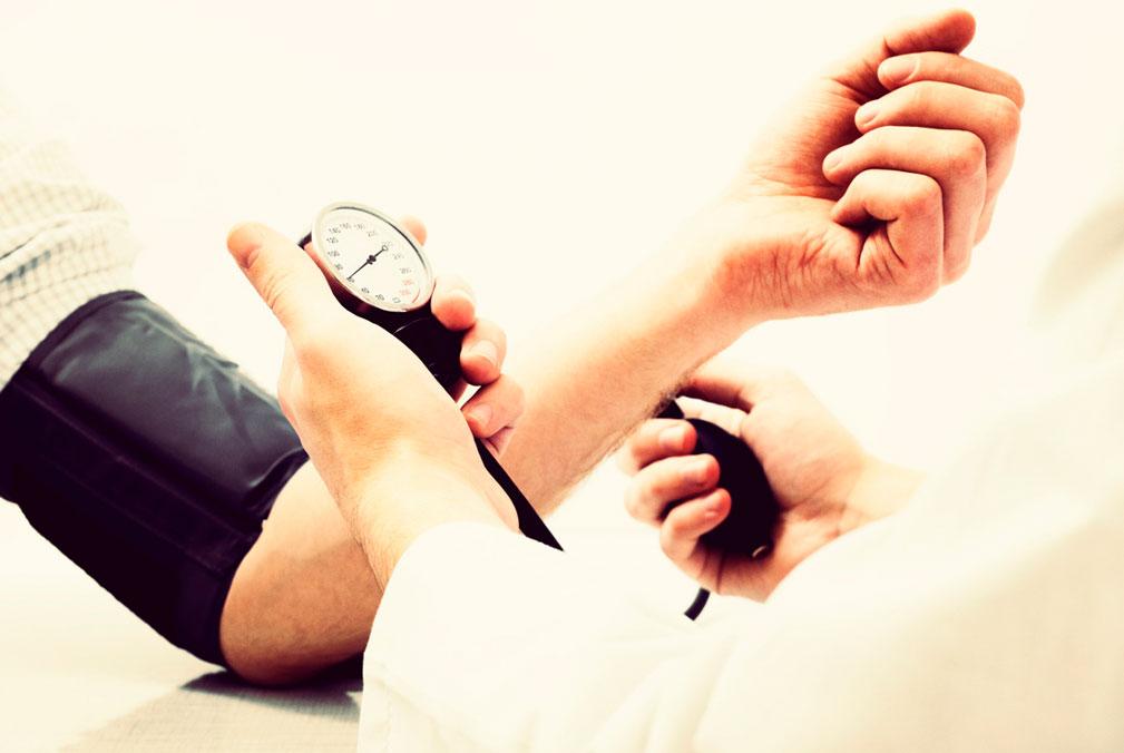 Pressão Alta (Hipertensão): O que causa?